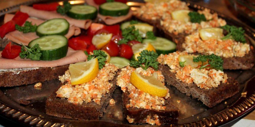 obložené veganské chleby