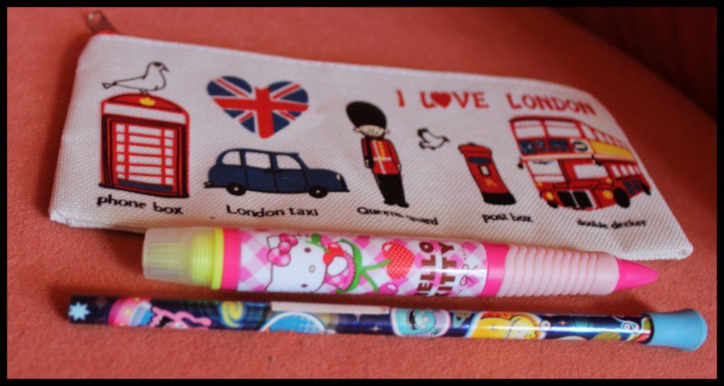 accessories angličtina book candles Christmas Christmas jumper dárky doplňky english gifts Hagrid Harry Potter Hello Kitty kniha London Medard panda Spongebob svíčky Vánoční svetr