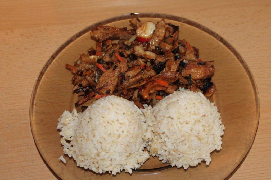 Sojové nudličky se zeleninou a rýží