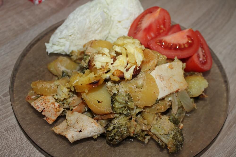 Zapečené brambory s brokolicí a tofu