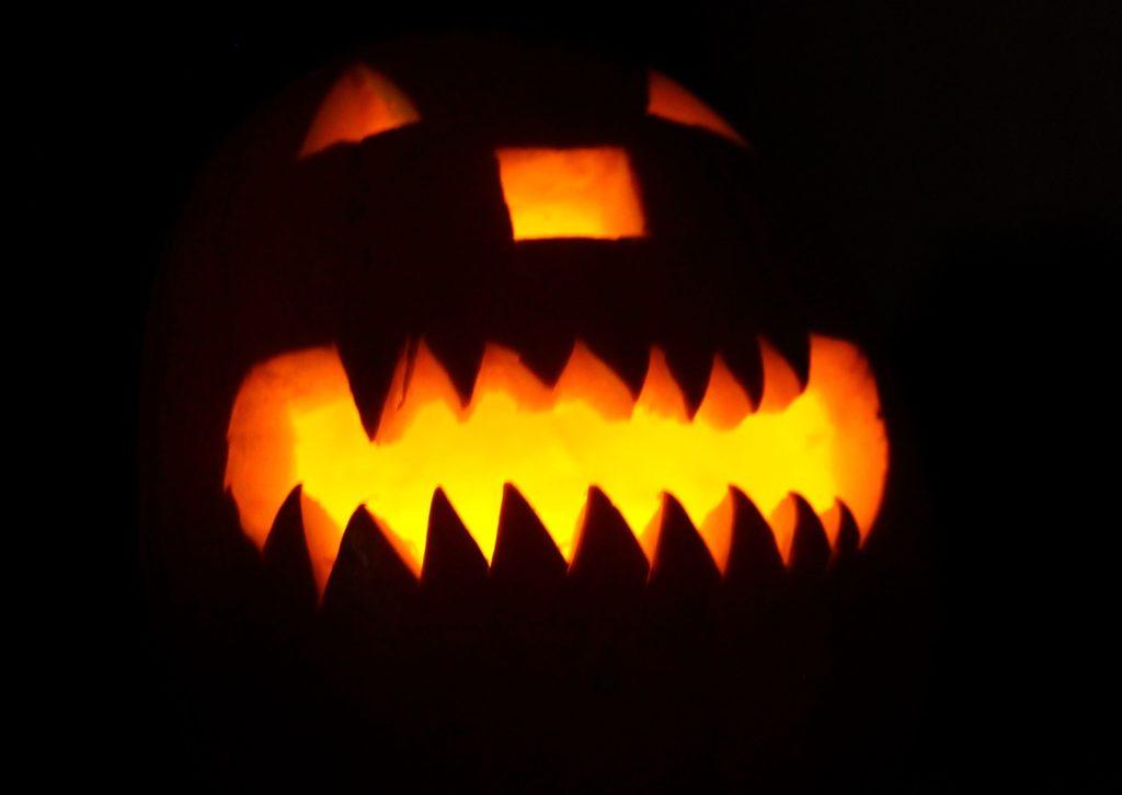 strašidelný halloweenský TAG