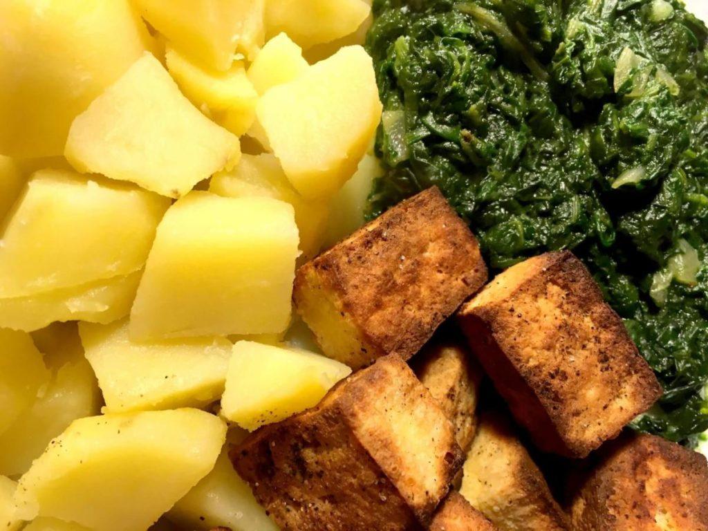 špenát s tofu